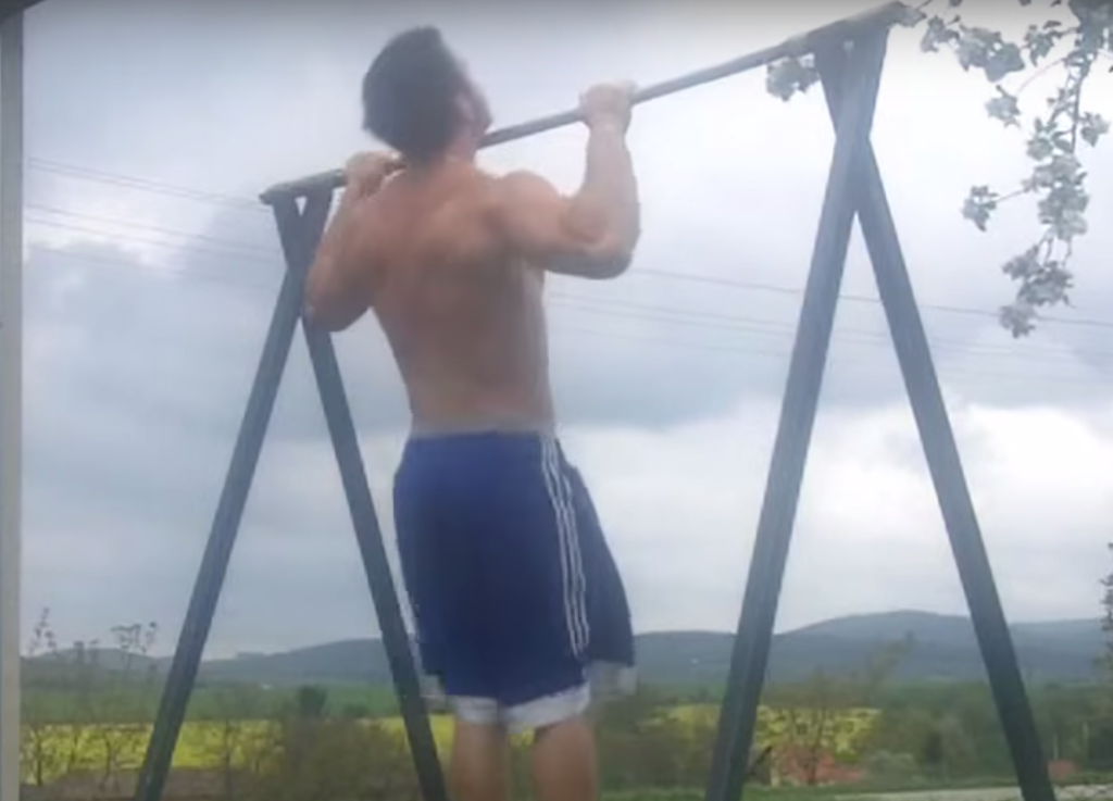 wide-pull-ups
