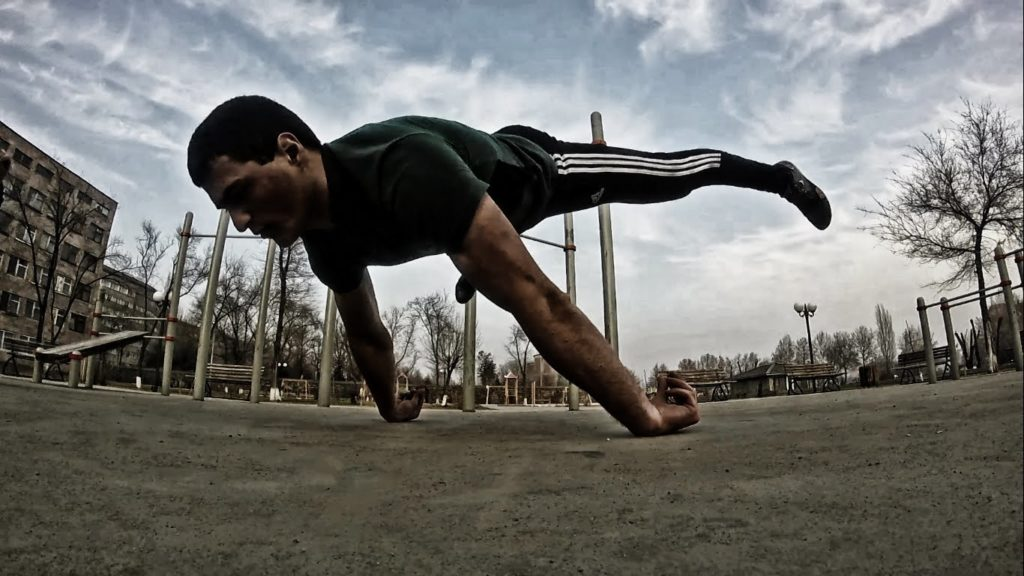 amazing-straddle-planche